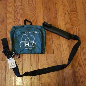 NWT Tommy Hilfiger Crossbody Shoulder Bag Green